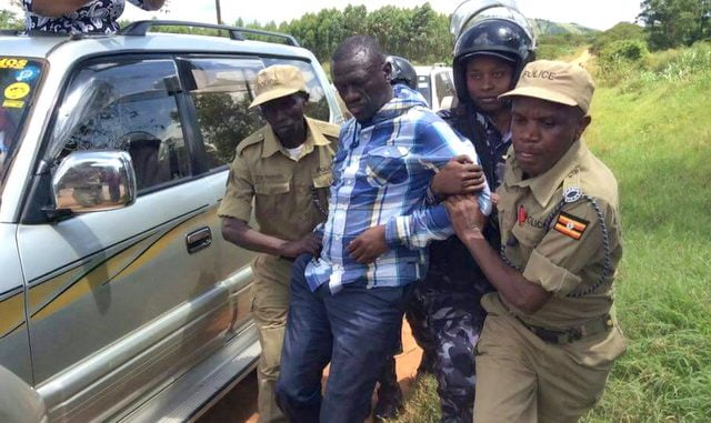 Police arrest Kizza Besigye, FDC leaders in Isingiro