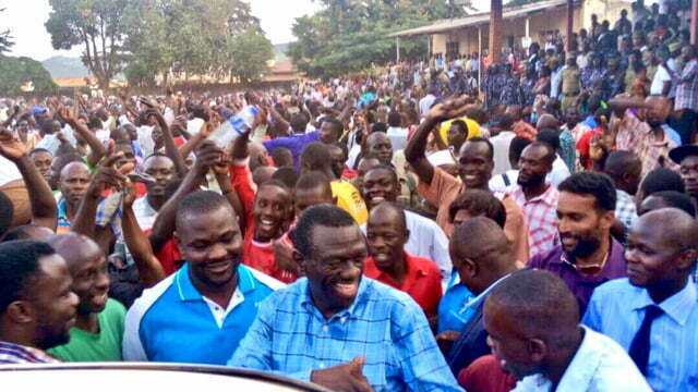 Police stops Besigye rally in Masindi