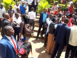Lukwago suspends council meeting amid chaos