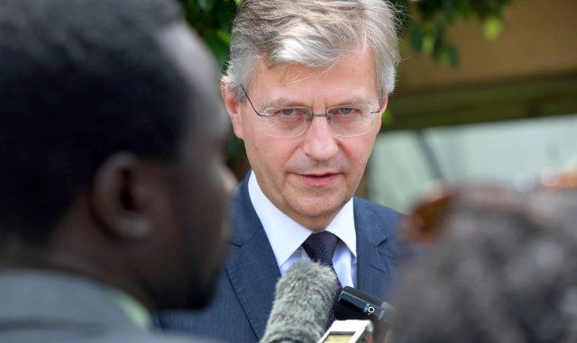 "South Sudan must end ""personality politics"" - Envoy"