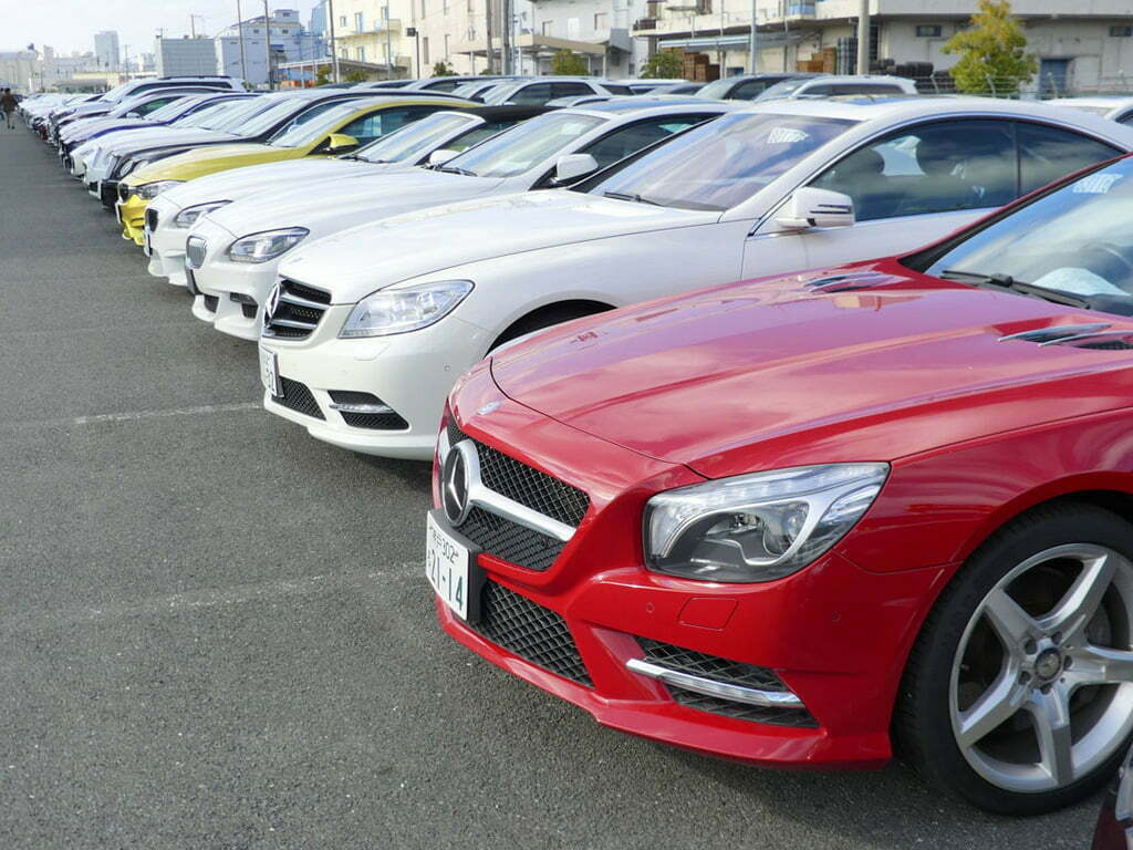 URA Directs Car dealers to Clear Old Cars by October