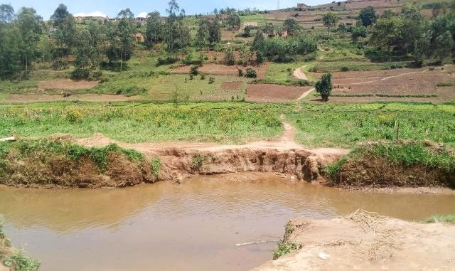 Rwanda deploys at porous borders with Uganda, destroys bridges