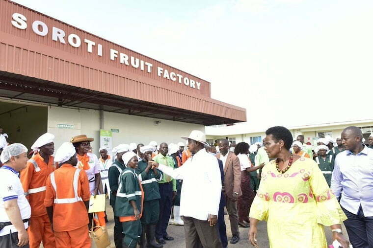 Museveni-at-Soroti-fruit-factory