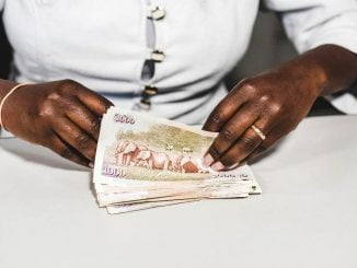 Kenya currency suspension disrupts businesses, money changers