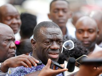Besigye condemns student arrests at Makerere University