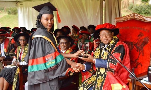 Makerere University secures graduation gowns from China