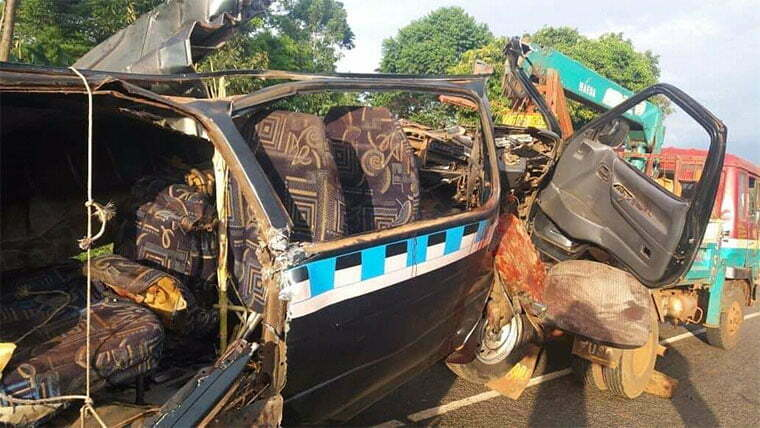Taxi-wreckage-in-Imanyiro